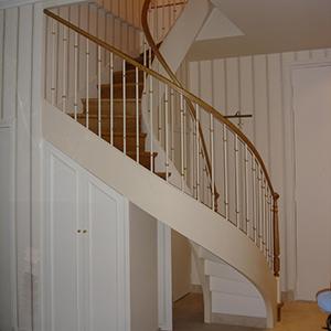 Menuiserie-Hue escalier-sur-mesure-en-bois-H300-